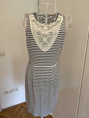 Esprit Sukienka z rękawem balonowym czarny-biały Bawełna