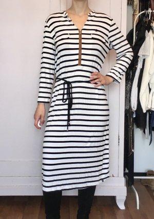Schwarz-weiß gestreiftes Jerseykleid