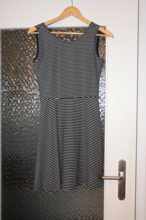 Clockhouse Mini vestido negro-blanco