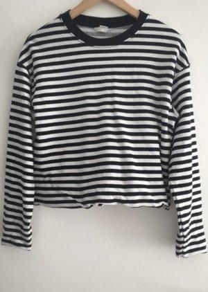 Schwarz-Weiß gestreiftes Pullover
