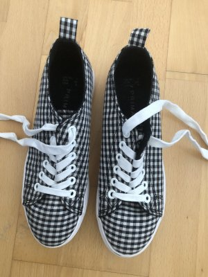 schwarz/weiß karierte Schuhe