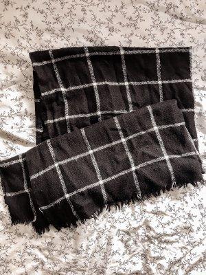 schwarz weiß karierter Schal von Zara