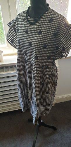 Schwarz-weiß Kleidchen
