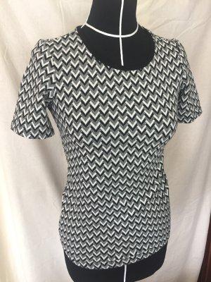 schwarz weiß T-shirt Muster Reserved