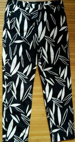 schwarz- weiße 7/8 Hose von Topshop, Gr.34
