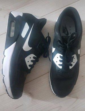 Schwarz-weiße Air Max 90 Sneaker von Nike
