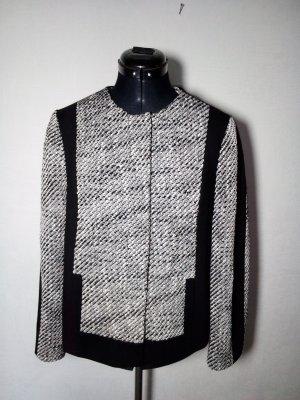 schwarz weiße Jacke im 60er Jahre Style