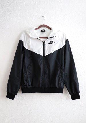 Schwarz weiße leichte Jacke von Nike Größe XS S M 36 38