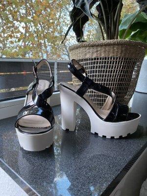 Sandales à talons hauts et plateforme blanc-noir
