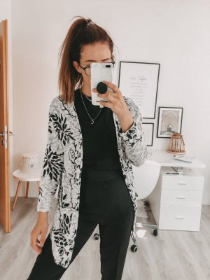 Schwarz weißer Cardigan