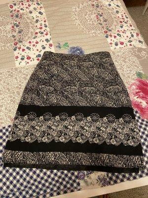 Falda de punto negro-blanco
