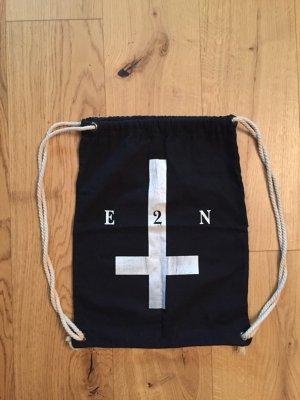 Schwarz weisser Turnbeutel von E2N