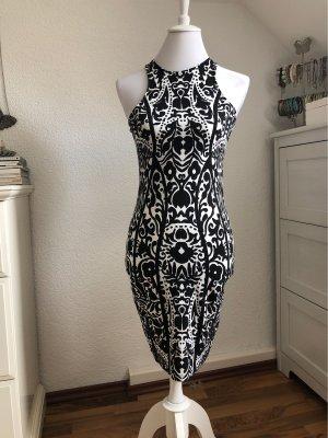 Schwarz-weißes Kleid