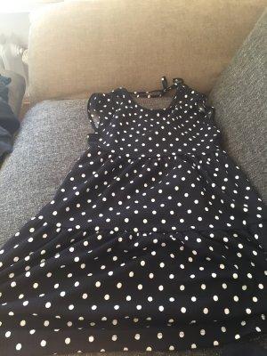 Schwarz-Weißes Kleid von Bershka
