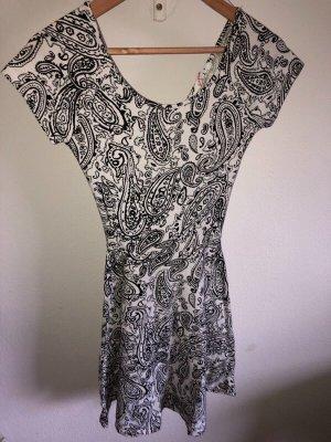 Schwarz-weißes Sommerkleid von Supré