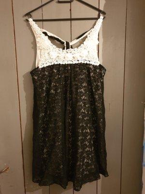 schwarz-weißes Sommerkleid von Yumi