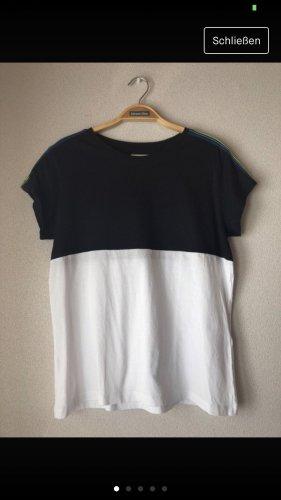 Schwarz/weißes Tshirt
