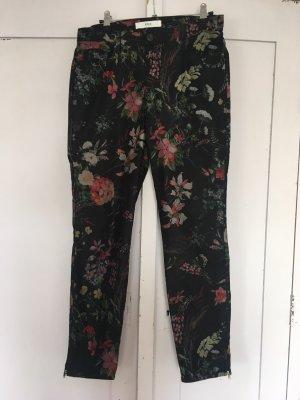 Schwarze 7/8-Hose mit Blumenmuster