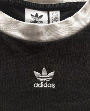 Schwarze Adidas Originals kurzes cropped T-Shirt
