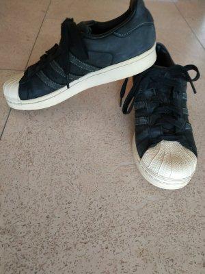 Schwarze Adidas Superstar, Gr. 37 1/3
