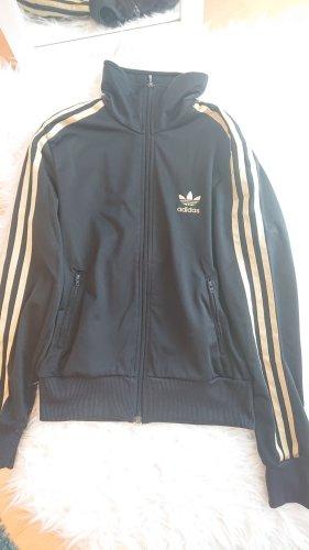 schwarze Adidasweste