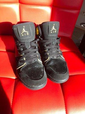 Schwarze Air Jordans, Größe 36