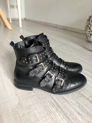 Schwarze Ankle Boots mit Nieten- Echtleder