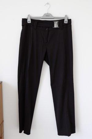 Schwarze Anzughose mit Gürtel
