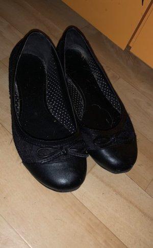 Schwarze Ballarinas mit spitze