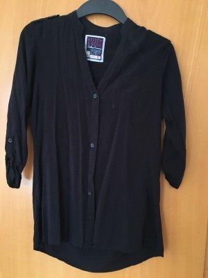 schwarze Bluse mit Knopfleiste