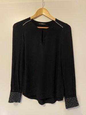 Schwarze Bluse mit Nieten