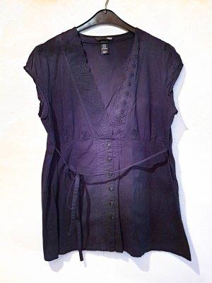 schwarze Bluse mit schönen Details