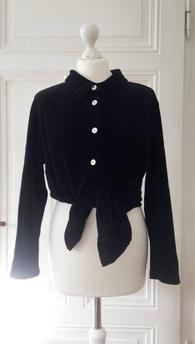 Schwarze Bluse von hess Natur aus Baumwollsamt mit schimmernden Knöpfen in Perlmuttoptik
