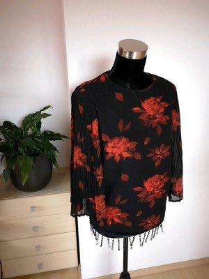 Schwarze Bluse von Vila mit roten Blumen