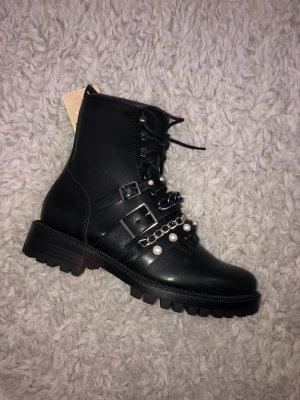 Schwarze Boots/Stiefeletten