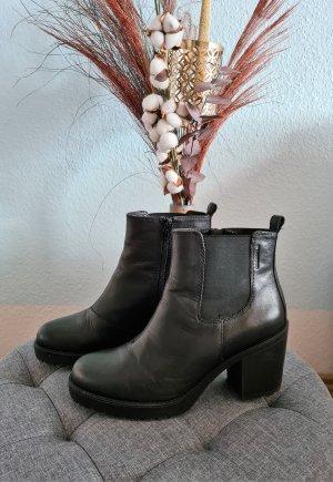 Schwarze Boots, Stiefeletten mit Profilsohle von Vagabond