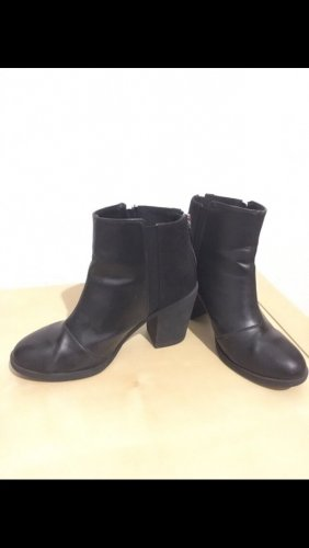 H&M Divided Ankle Boots black