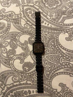Zegarek analogowy czarny