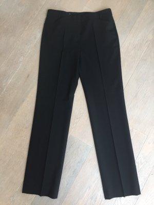Schwarze Bussinesshose, Bundfaltenhose