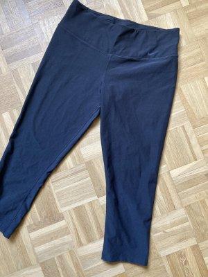 Schwarze Capri Leggvon Nike