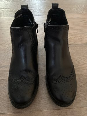 Schwarze Chelsea Boots mit Budapester Muster