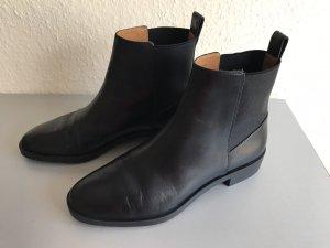 Schwarze Chelsea Leder Boots- neu von &other stories