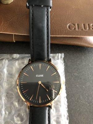 Schwarze Cluse Uhr