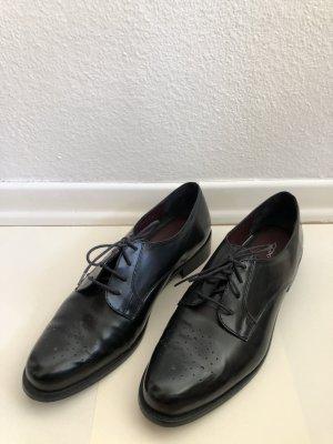 Cox Wingtip Shoes black leather