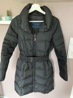 Schwarze Dauenjacke / Mantel von Zara, Gr. S
