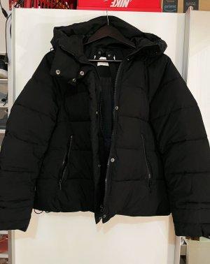 Schwarze Daunen/Pufferjacke Zara