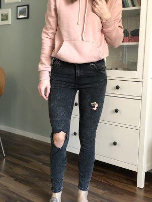schwarze destroyed Jeans Reserved