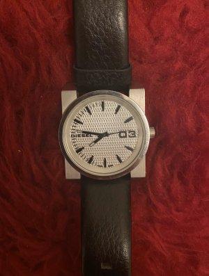 schwarze Diesel Uhr
