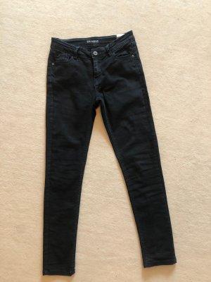 Schwarze/dunkelgraue Jeans
