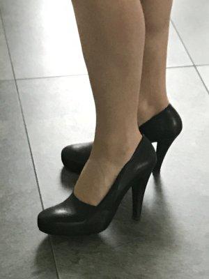 Schwarze elegante Pumps von VIC MATIE